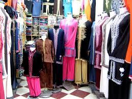 A bálás ruhás turkálók