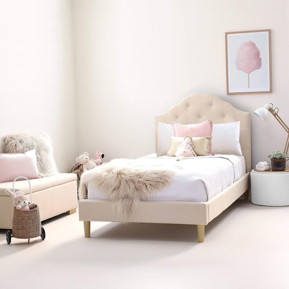 Kárpitozott ágyak – elegancia a hálószobához